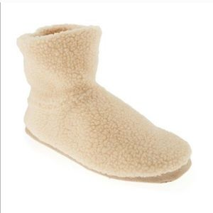 NWT Old Navy Sherpa Cream Bootie Slippers  Sz 8